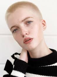 Do Hola Krátkovlasé Modelky Jsou Hot
