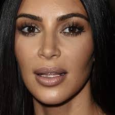 kim kardashian makeup black eyeshadow bronze eyeshadow lipstick steal her style