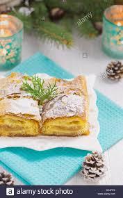 Apfelkuchen Auf Weißem Holz Tisch Mit Türkis Tuch Kerzen