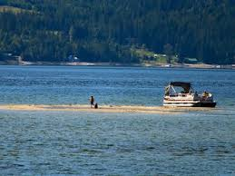 According to bc wildfire service, the fire is burning on the shores of lake shuswap, 2 km south of the sicamous district. A Family Enjoys A Sandbar In Shuswap Lake Near Sicamous Bc Flickr