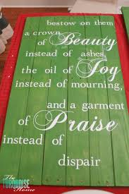 how to make a beautiful hand painted sign from pallets