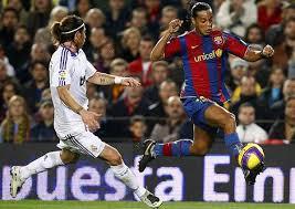 Ronaldinho es mejor que messi y ronaldo