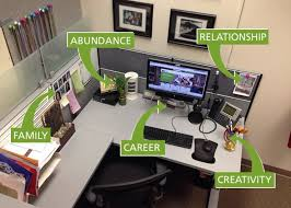 how to decorate office table. Best 25 Work Desk Decor Ideas On Pinterest | Cube Decor, Office Regarding How To Decorate An Table