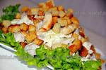 Салат из грибов и куриной грудки и огурцов