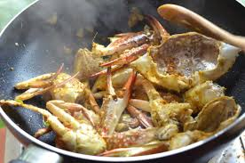 Thai Crab Curry Recipe (Bu Pad Pong ...