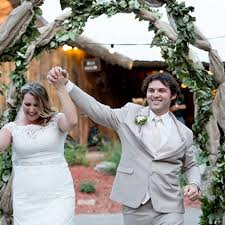 How This Couple Got An 80 000 Wedding For Free Brides