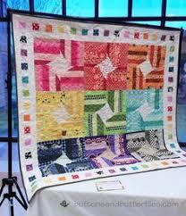Buttons and Butterflies Baby bridesmaid...I LOVE this quilt ... & Buttons and Butterflies: Rainbow Starstrip Quilt Adamdwight.com