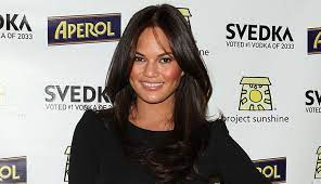 Chrissy teigen's short haircuts and hairstyles. Chrissy Teigen S Hair Evolution See The Pics Purewow