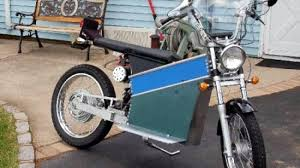 an enterprising man in new york has managed to build an electric motorcycle which he s referring to as the battery box this term comes from the design of