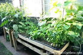 vegetable garden container ideas small vegetable garden layouts small vegetable garden container vegetable gardening 2 small