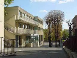 exerçant son activité pégique sous contrat d ociation avec l état l établist École privée saint françois se situe à maisons alfort