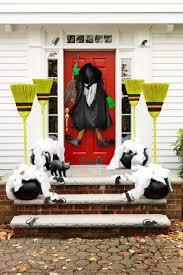 halloween front door decorations50 Easy Halloween Decorations  Spooky Home Decor Ideas for Halloween