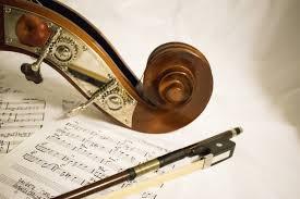 Lalu, pengertian seni musik secara umum adalah cabang seni yang mempunyai fokus menggunakan sebuah melodi, irama, harmoni, tempo, serta menggunakan sebuah vocal. Pengertian Musik Kontemporer Ciri Ciri Karakteristik Dan Konsep Kreatif