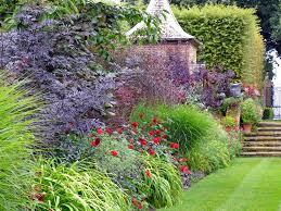 English Border Garden Design The Red Border At Hidcote Susan Rushton