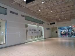 file jersey gardens mall 18 forever 21 jpg