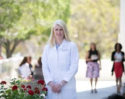meet maria e nelson md assistant professor of clinical surgery dr nelson is an oncologic surgeon specializing in breast cancer treatment at usc norris comprehensive cancer center