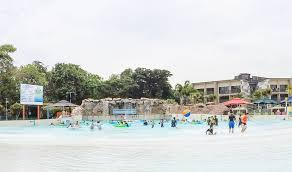 Two secret service agents, equipped with a wide array of gizmos, work for the government in the old west. 10 Things You Should Know Before Visiting Wild Wild Wet Waterpark Singapore Trevallog