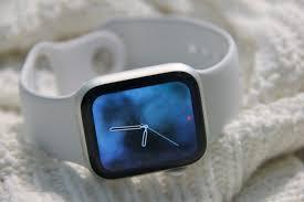 Обзор <b>Apple Watch Series</b> 4: <b>умные часы</b> в подарок себе и не ...