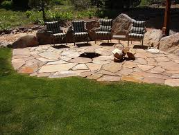 Flagstone Patio Firepit