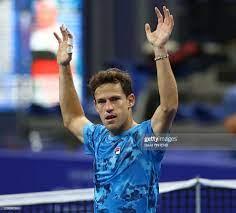 Argentina Diego Schwartzman celebrates after winning a singles match...  Nachrichtenfoto - Getty Images