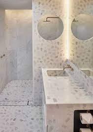 Mais sofisticado, este lavabo optou por bancada de mármore para harmonizar com a madeira no piso. Granilite O Que E Vantagens Desvantagens Dicas E Fotos