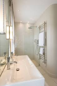 how to make a small bathroom look bigger3 how