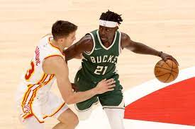Hawks ride fourth quarter barrage to 111-104 win over Bucks - Peachtree  Hoops