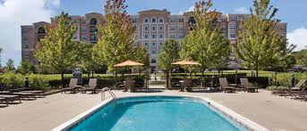 amli at museum gardens furnished apartments in vernon hills il outdoor swimming pool and sundeck