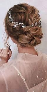 Jul 13, 2021 · genelde gelin adayları topuz modellerine yönelirler ancak açık gelin saçı modelleri de oldukça şık ve modern bir görünüme sahip diğer seçenektir. Salas Gelin Saci Modelleri 2021 Kadinev Com Short Wedding Hair Chic Updo Medium Hair Styles