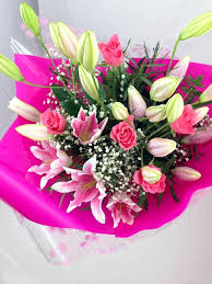 rose lily flower bouquet