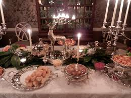 Furniture Awesome Christmas Decoration Ideas For Party Table ...