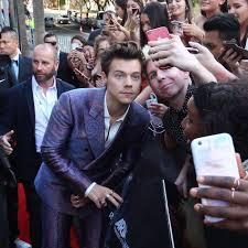 Photos of Harry Styles on the ARIAs Red ...