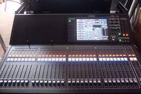 yamaha ql5 price. yamaha ql5 audio mixing desk, mint with free flight case! ql5 price