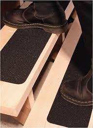 Protectakote ist die ladeflächenbeschichtung nr. Rutschschutz Antirutsch Band Fur Aussentreppe 15x101cm 10er Set Anti Rutsch Streifen Fur Treppen Stufen Aussen Selbstklebend Schwarz Amazon De Baumarkt