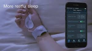 always track sleeping status in conjunction with smartphones and wake up users at the most awakening timing of the time of setting the alarm clock
