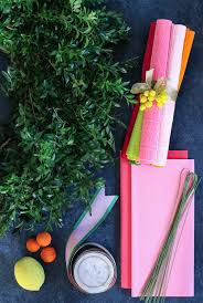 Christmas Paper Flower Wreath Diy Boxwood Wreath With Paper Flowers Honestly Wtf