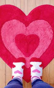 refundable heart shaped rug this is cute enough to keep out long after