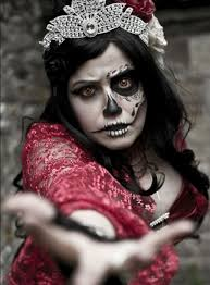 alice bizarre is a 20 year old makeup artist from bristol uk she s