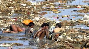 Resultado de imagen de contaminacion de mares y rios