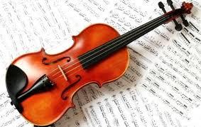 Tetapi terdapat ciri khas atau karakteristik dalam alat musik gesek, yaitu terdapat dawai atau senar sebagai sumber suara yang disebut kordofon. Alat Musik Melodis Pengertian Cara Memainkan Macamnya