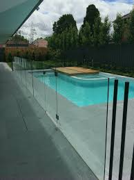 frameless glass pool fence with stainless steel accessories