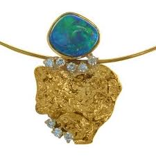 exceptional opal pendant diamonds gold nugget 18k gold