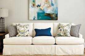 How To Decorate A Couch With Throw Pillows