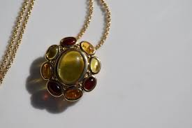 lot 232 vintage silver flower pendant necklace