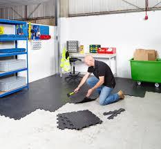 interlocking garage floor tiles reviews beautiful interlocking vinyl floor tiles flooring heavy duty gym garage