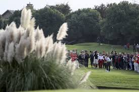 China swings back at golf, shutting down 111 courses - Chicago ...