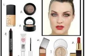 spanish makeup a red lip paired with a flick of black liner may be the little
