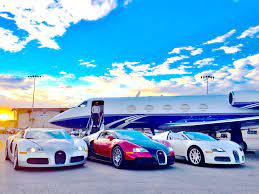 What's interesting is that it could achieve 288 mph but bugatti maxed it at 267 mph to keep it safe. Facebook