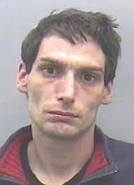 Derek Bray returned to his old ways after boasting he had turned his back on a life of crime on television series Thief Catchers - article-2300067-18F4F26A000005DC-306_306x423