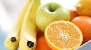Resultado de imagem para comer frutas